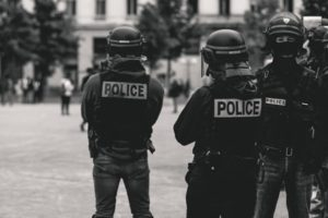 警察の人間関係は特殊できつい